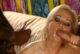 Amateur girlfriend anal double penetration with cumshot