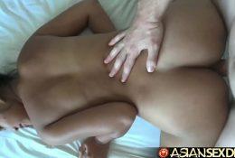 Asian Sex Diary – Shy Filipina gets her hairy box creampied