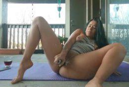 Beautiful Latina Jolla masturbates outside and sprays a glass door