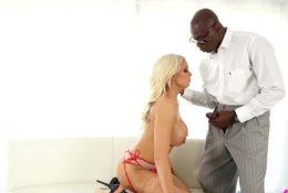 Bigtit blonde Kenzie Taylor sucking black cock