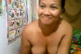 Filipino Milf Ass Show