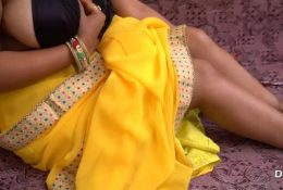 Indian Pari Bhabhi Play With Pussy And Big Boobs