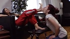 lesbian mistress use lesbian feet slave after gym