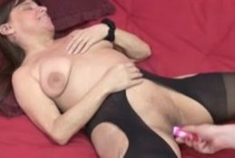 Mature midget vixen and charlie 4×3. Bessie from ONMILF.COM