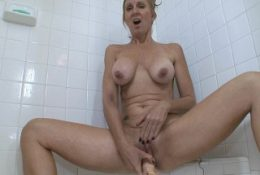 MILF Jenna Covelli Squirting In The Shower