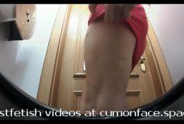 Spycam toilet Pissing girl 32