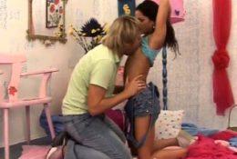 Teen threesome 18 big tits xxx Monica gets a massive