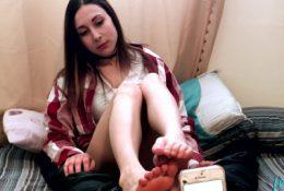 Tiny Teen's First Sock Job & Facial