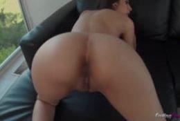 Angel passe un sublime casting porno !