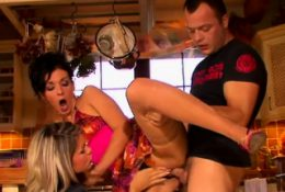 Babes gets screwed hard previous to a wicked golden shower