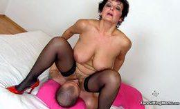 Big Juggs Lady Greta Perverted Facesitting With A Boy