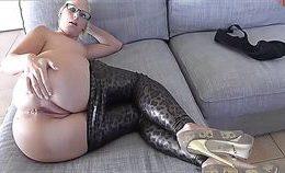 Blonde Amateur Hardcore In Leggings