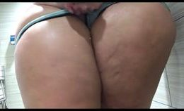 Blonde Pawg Solo Shower