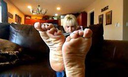 Mature-mega-wrinkled-soles-compilation–pornhub.com