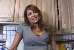 Monique Fuentes – Une milf qui se tape un étalon noir