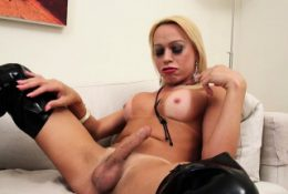 Sex appeal latina blonde Shakira Voguel banged in ass