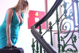 Slammed by Painful Contractions at 40 Weeks Pregnant!