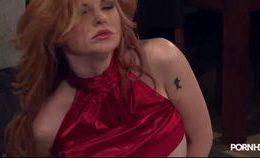 Tarra White Hot Redhead Facesitting