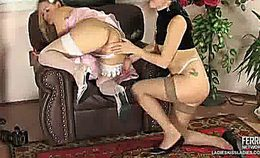 Youporn Sexy Bride Seduced By Lesbian Photographer