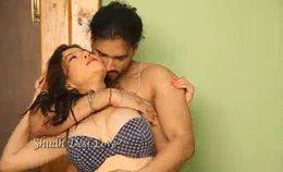 Indian Delhi Bhabhi Hot Sex Video Boobs Pressed