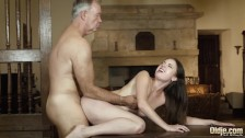 Teen deepthroat blowjob and cumshot from old man with thicc cock