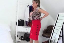 Adulterous english mature lady sonia shows off her la39THH