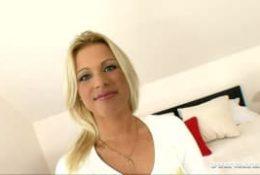 Dominica Dolce, une blonde en chaleur lors d'un cast