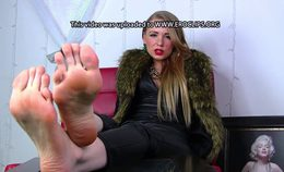 Russian-queenm-cum-for-my-feet-loser