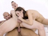 Bisex dude tries cock and gets sucked