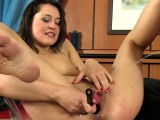 Wicked whore gets nasty and is pissing on ramrod of her chap