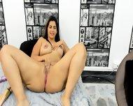 Colombian Girl Eimbaarx  (28) Take Off Black Bikini To Show Busty Body