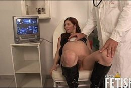 Pregnant wife gets fucked by her hot hubby in doctor's office