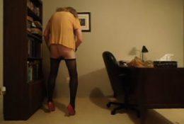 VanessaTV cumming in her office
