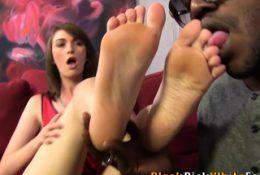 Fetish teen feet jizzed