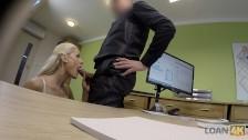 Loan4k. Die Arme Und Wunderschöne Verkäuferin Hat Wilden Virtual Sex