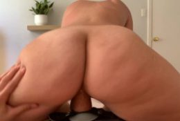 Real Amateur Lesbian Couple Fucking Caught On Iphone – JellyFilledGirls