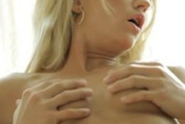 Sunshine B – Elle réalise un porno sensuelle