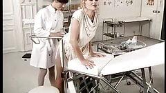 Der Frauenarzt Vom Place Pigalle …(Vintage Movie) F70