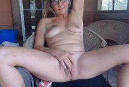 grandmother blonde masturbate her vagina.