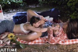 ADULT TIME age Lesbian: Kendra & Kristen- Pussy Eating Picnic