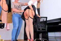 Brunette amateur homemade webcam ass