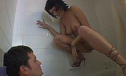 Sex Blooper In The Bath