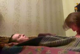 Русская анальная подруга и в жопу даёт и сосет. Домашнее порно